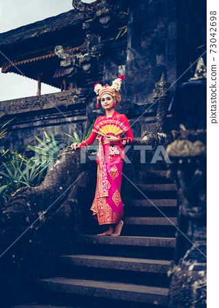 Traditional Ramayana dancer in a temple of Bali 73042698