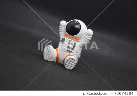 輕浮的宇航員 73074284