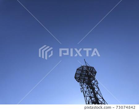 푸른 하늘과 철탑 73074842