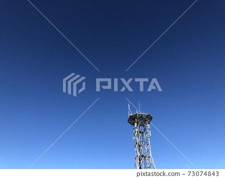 푸른 하늘과 철탑 73074843