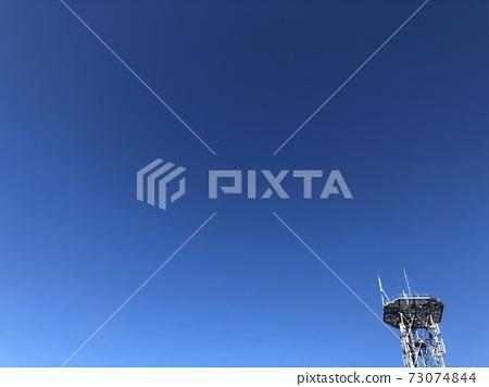 푸른 하늘과 철탑 73074844