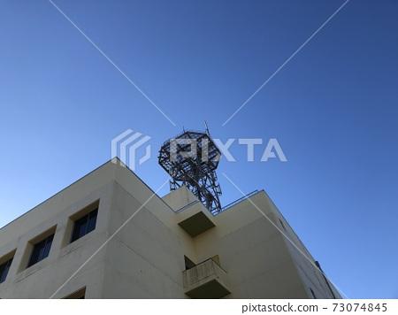 푸른 하늘과 철탑 73074845