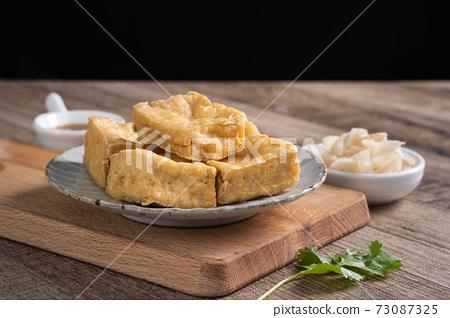臭豆腐 路邊攤 夜市 泡菜 Stincky tofu street food チョウドウフ 73087325