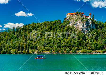 Lake Bled in Slovenia. Picturesque summer landscape 73098163