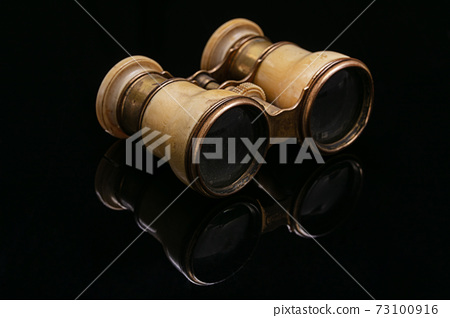 Antique theater binoculars in ivory 73100916