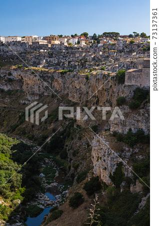 意大利馬泰拉山谷和城市景觀 73137361