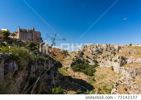 이탈리아 마 테라의 계곡과 산타 고스 티노 수도원 73142137