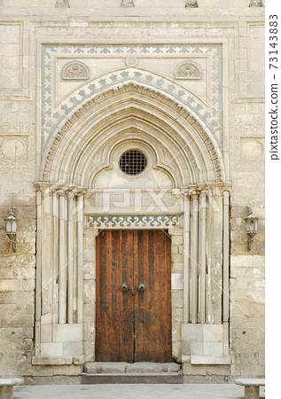 mosque door in cairo egypt 73143883