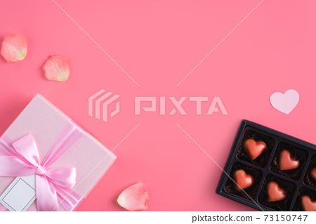 情人節 花束 花瓣 玫瑰 禮物盒 Valentine's Day gift バレンタイン 73150747