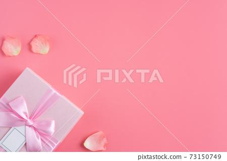 情人節 花束 花瓣 玫瑰 禮物盒 Valentine's Day gift バレンタイン 73150749