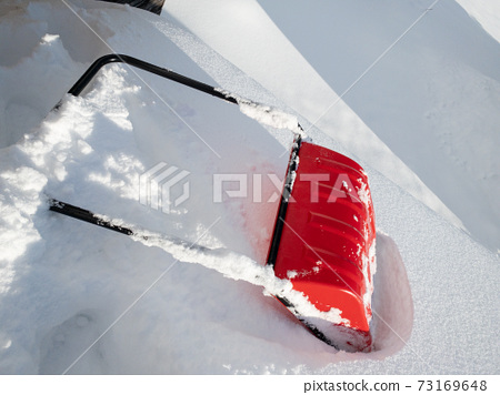 Image of winter roof snow removal work 73169648