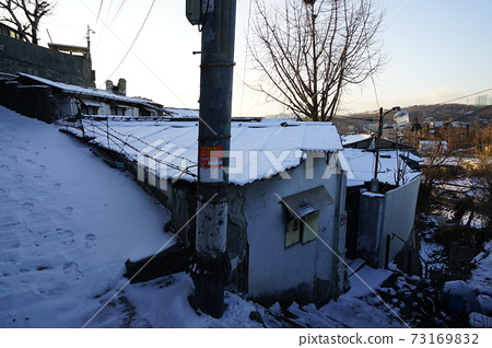 정릉골.설경.골목길.겨울에  73169832
