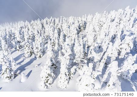 山形縣的冰與藍天山形縣山形市 73175140