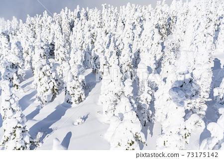 山形縣的冰與藍天山形縣山形市 73175142
