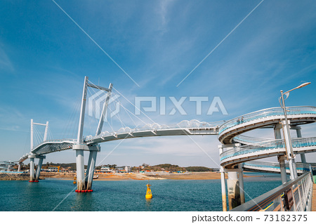 kkotge(Blue crab) bridge at BaeksaJang port in Anmyeondo Island, Taean, Korea 73182375