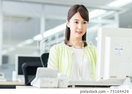 辦公室業務女人 73184429