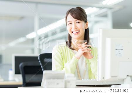 辦公室業務女人 73185402