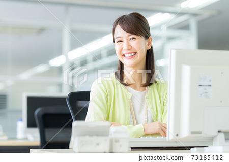 辦公室業務女人 73185412