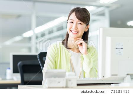 辦公室業務女人 73185413