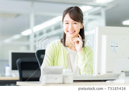 辦公室業務女人 73185416
