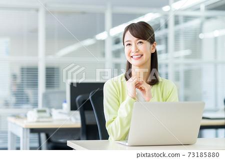 辦公室業務女人 73185880