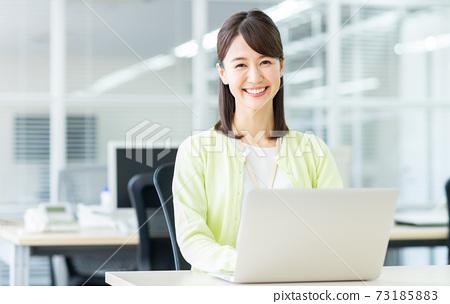 辦公室業務女人 73185883