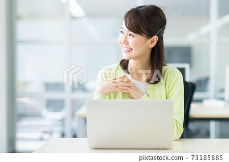 辦公室業務女人 73185885