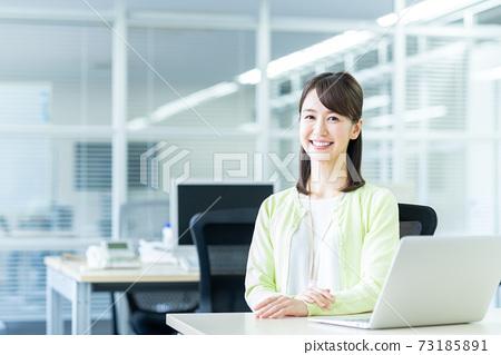 辦公室業務女人 73185891