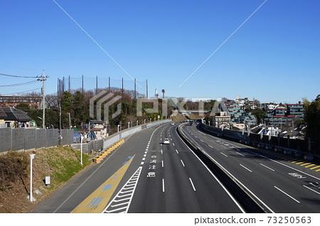1 월 세타 가야 579 대장 운동 공원과 오카모토 산 쵸메 ·도 메이 고속도로에서 切通し되었다 코쿠 절벽 선 73250563