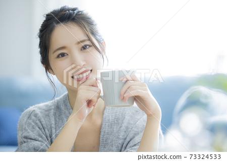 智能手機女人 73324533