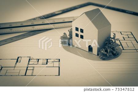 房屋和平面圖以及三角形比例尺購買房地產房屋和平面圖裝修,改建,建築形象房屋 73347812
