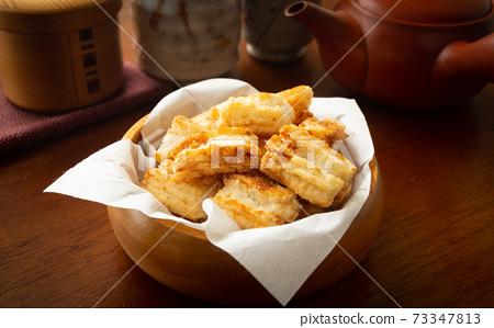 과자 간식 튀김 과자 쌀 과자 전병 과자 간식 튀김 떡 73347813