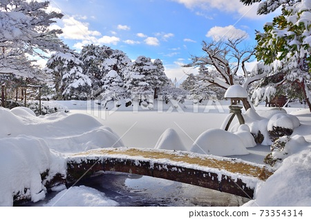 Snow Kenrokuen 73354314