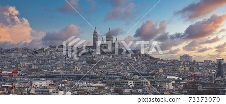 Montmartre Paris. 73373070