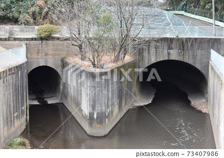 히라 세 강 터널 73407986