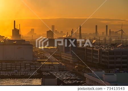 《神奈川縣》川崎市尾島京濱工業區的夜景 73413543