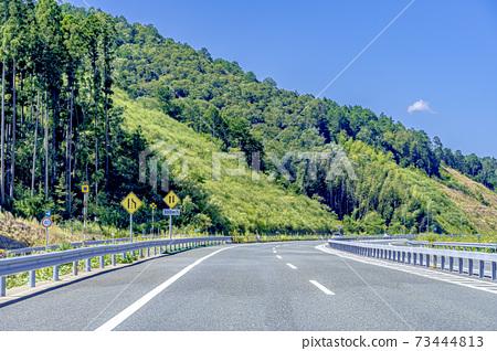 京都公交高速公路的行駛圖像 73444813