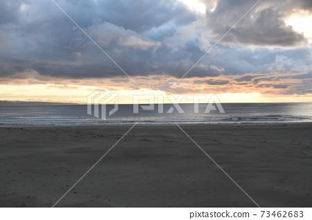 伊納斯海灘的晚霞 73462683