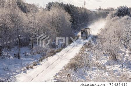 北海道美瑛町富良野冬季線12月 73485413