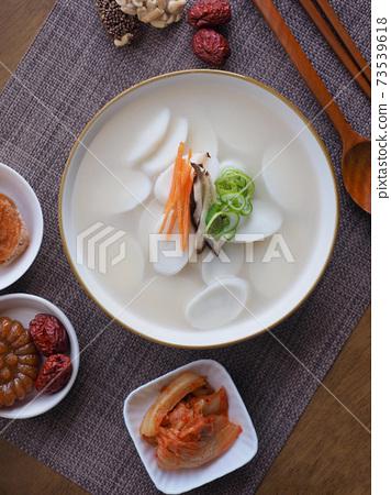 韓國傳統食品年糕湯,新年食品 73539618