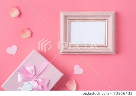 情人節 花束 花瓣 玫瑰 禮物盒 Valentine's Day gift バレンタイン 73556432