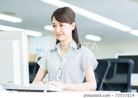 辦公室業務女人 73557814
