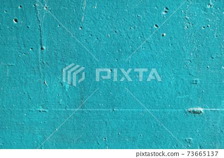 청록색 페인트가 칠해진 오래된 콘크리트 벽 73665137