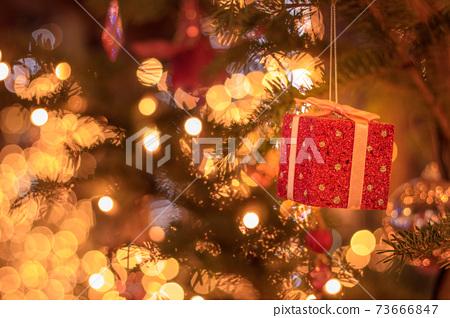 Christmas tree ornament gift 73666847