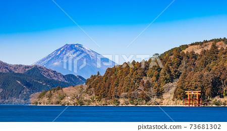 蘆野湖富士山冬季景觀 73681302
