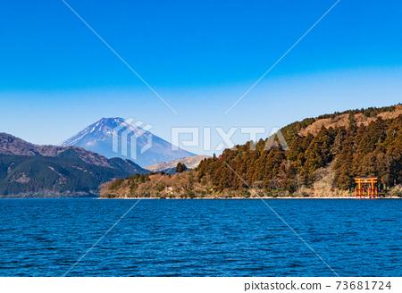 蘆野湖富士山冬季景觀 73681724
