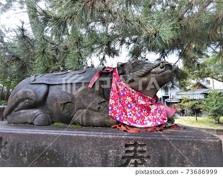 Kitano Tenmangu Cow Statue / Stroking Cow 2 73686999