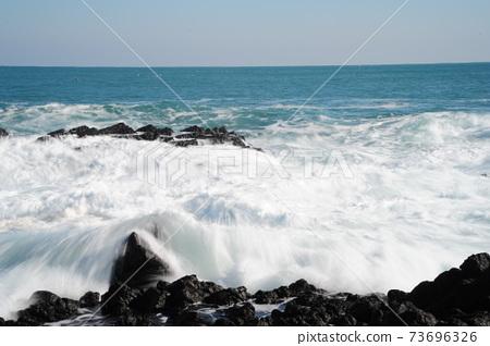 바다.주상절리.파도.해안가 73696326