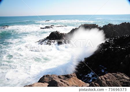 바다.주상절리.파도.해안가 73696373