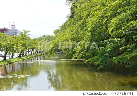 히로사키 성의 바깥 해자 (히로사키 공원 / 아오모리 현 히로사키시) 73716741